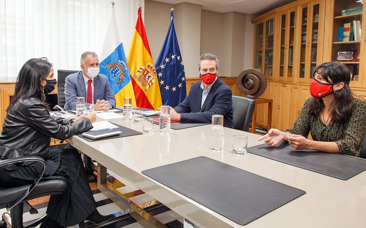 Torres exige corresponsabilidad al resto de comunidades autónomas, al Estado y a Europa para la acogida y atención de los menores migrantes