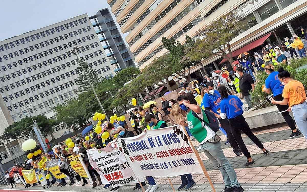 Los empleados públicos afrontan una cuarta jornada de huelga con apoyo económico de todas las CCAA