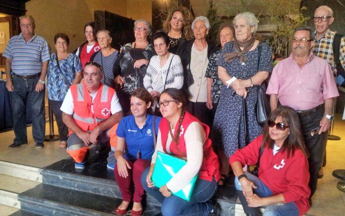 Un grupo de mayores de Taganana y Almáciga visitan el Belén del Cabildo./ diariodetenerife.info