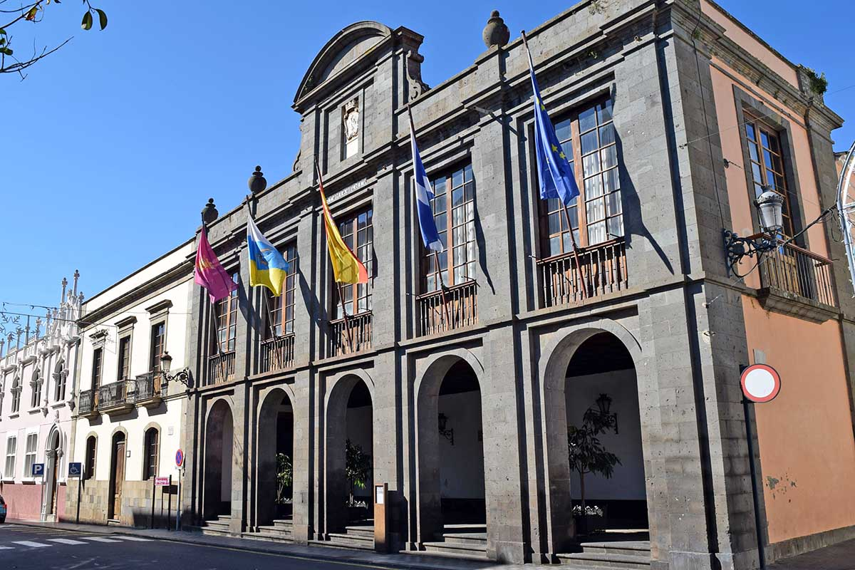 La oposición en La Laguna registra la petición de comisión de investigación de los contratos y actuaciones del presente mandato