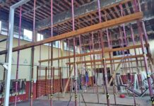 El edificio se encuentra, en parte, apuntalado por el estado de su estructura./ Cedida.