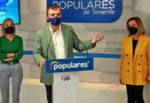 Rueda de prensa ofrecida por la diputada nacional Ana Zurita, acompañada del presidente del Grupo Parlamentario Popular en el Parlamento de Canarias, Manuel Domínguez./ Cedida.