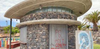kiosko ubicado frente a los Juzgados de Arona./ Cedida.