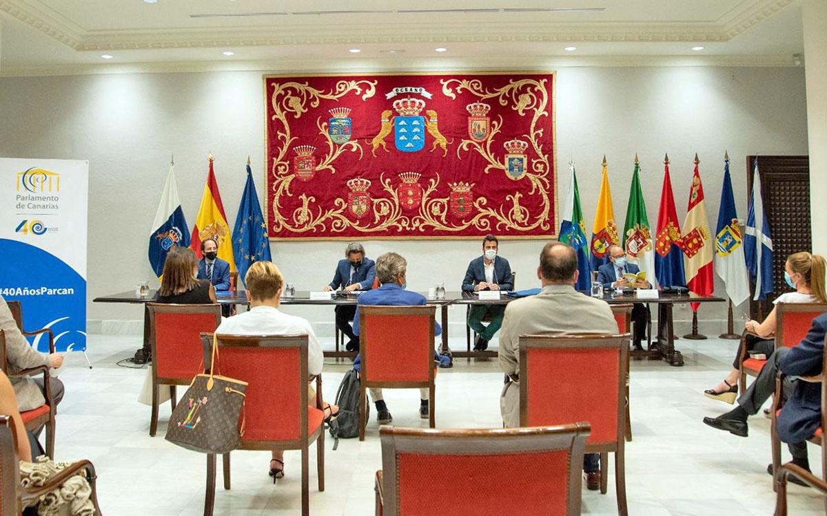 Las posibilidades de la futura ley electoral canaria, a estudio y debate en el Parlamento