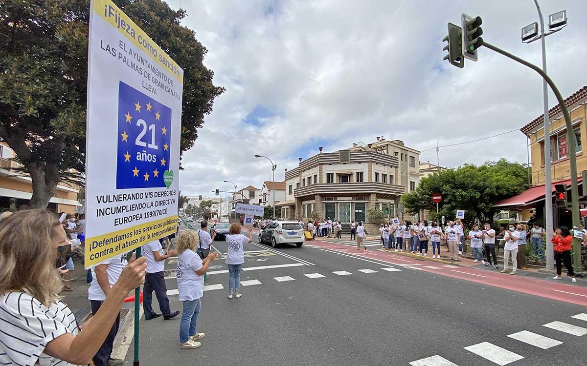 El PP muestra su apoyo a los trabajadores municipales y rechaza el decreto que amenaza su continuidad
