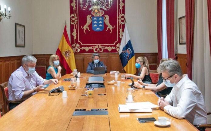 Mesa del Parlamento de Canarias./ Cedida.