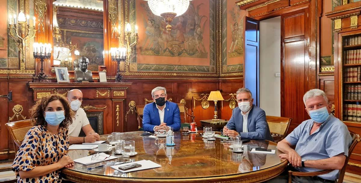Acuerdo para garantizar el 80% del diferencial fiscal en las deducciones al cine en Canarias