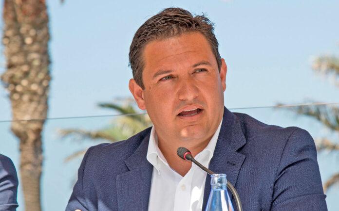 José Julián Mena, alcalde de Arona./ Cedida.