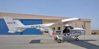 El avión, modelo Cessna 337G Skymaster, partió este mismo viernes a primera hora de la mañana desde su base en Muchamiel, en Alicante./ Cedida.