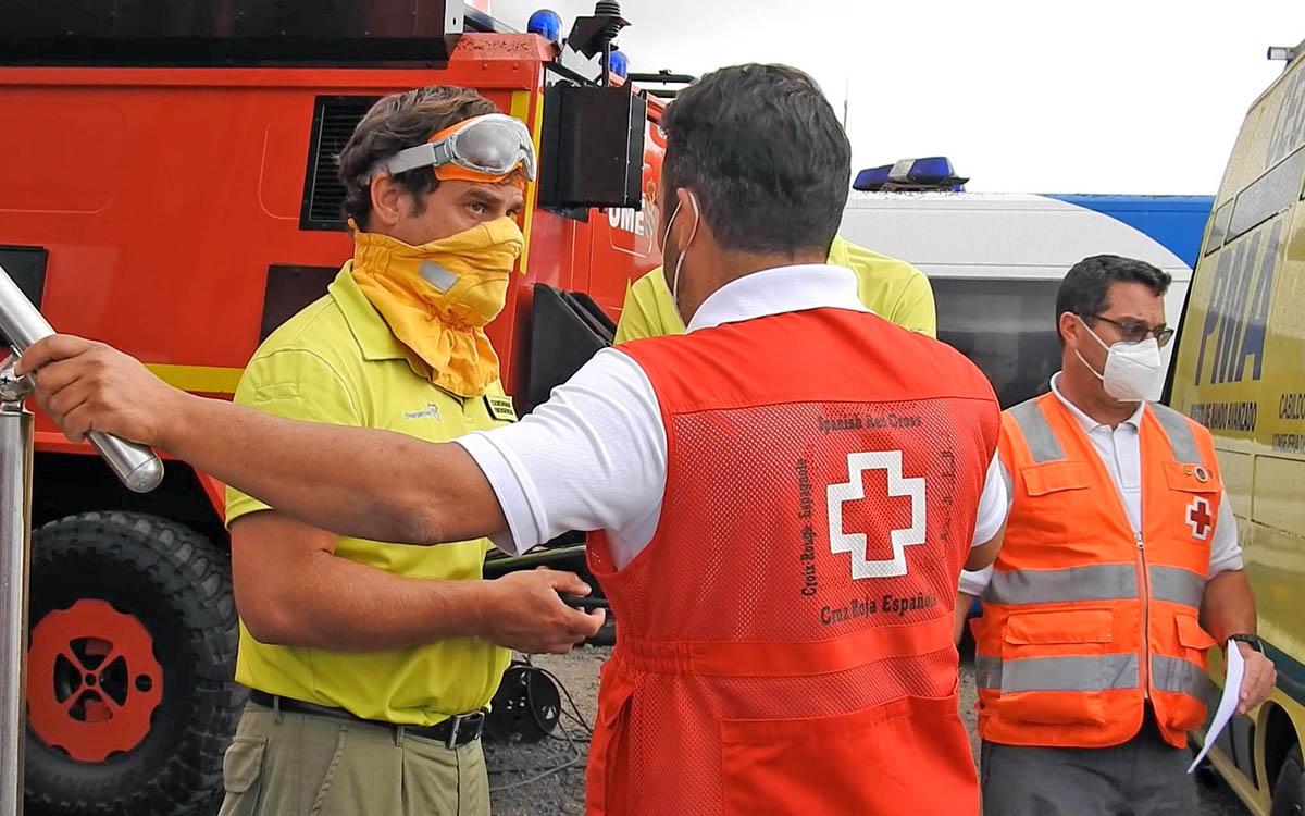 Torres recibe al presidente de Cruz Roja Española para  hacer balance de las actuaciones en La Palma
