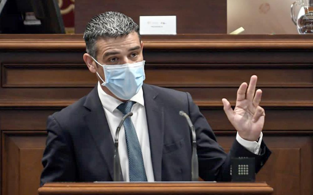 """CC acusa al Gobierno canario de """"atosigar"""" al sector primario y no acatar los acuerdos del Parlamento"""