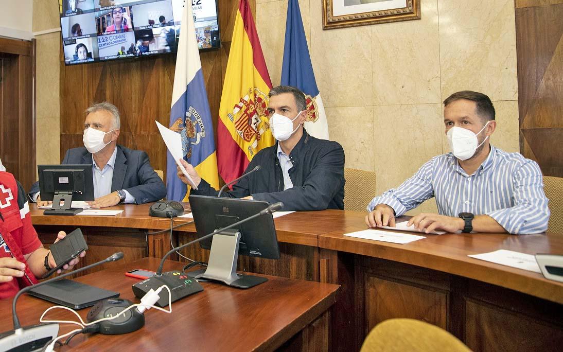 Torres anuncia la próxima adquisición de 44 viviendas más para los afectados por el volcán