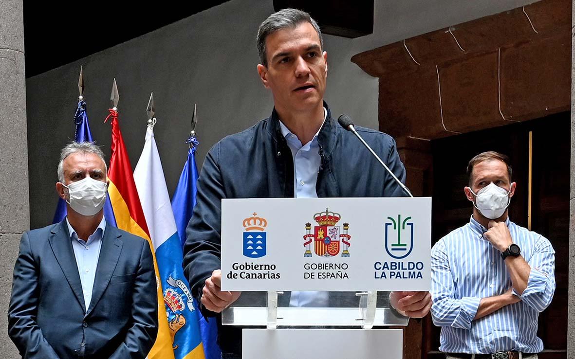 Pedro Sánchez reafirma el compromiso de todas las instituciones con la recuperación de La Palma